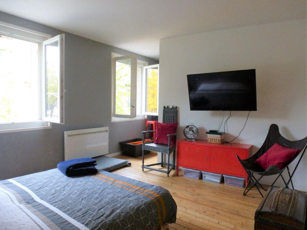 Appartement à vendre 4 92.5m2 à Reims vignette-6