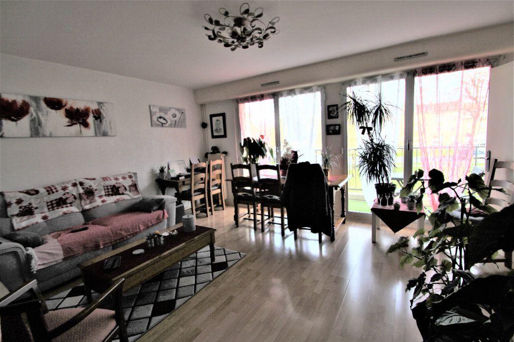 Appartement à vendre 4 90m2 à Reims vignette-1