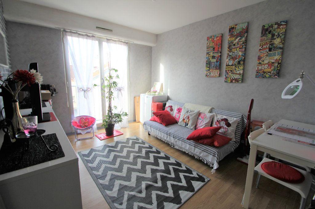 Appartement à vendre 4 90m2 à Reims vignette-4