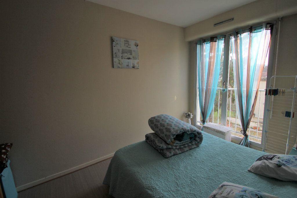 Appartement à vendre 4 90m2 à Reims vignette-5