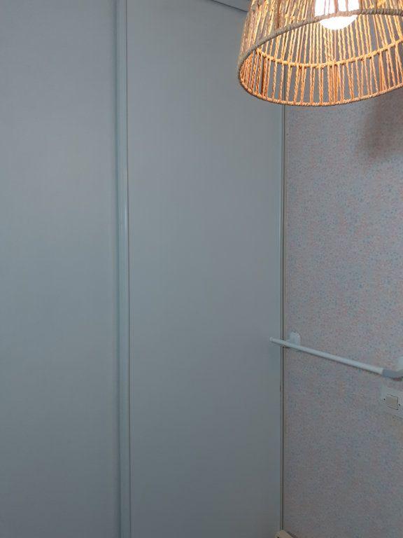 Appartement à louer 1 27m2 à Reims vignette-9