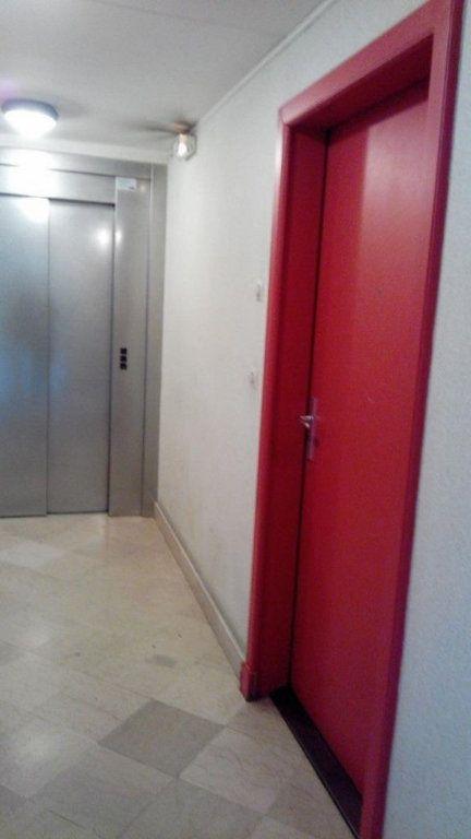 Appartement à louer 1 27m2 à Reims vignette-10