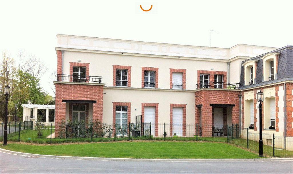 Appartement à louer 4 82.76m2 à Reims vignette-1
