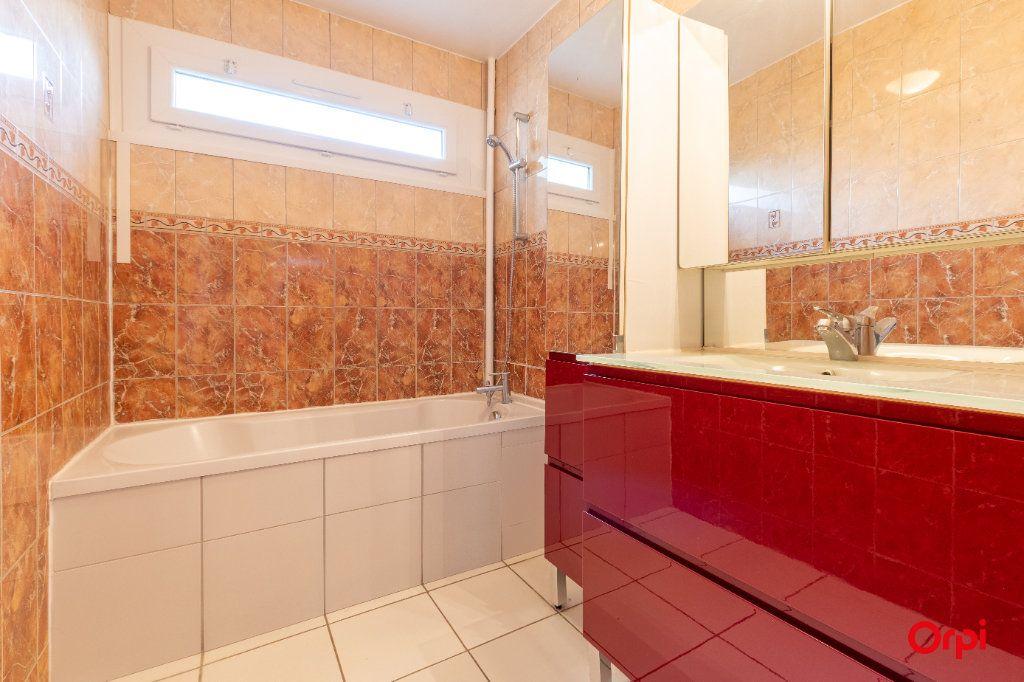 Appartement à vendre 4 73.61m2 à Reims vignette-9