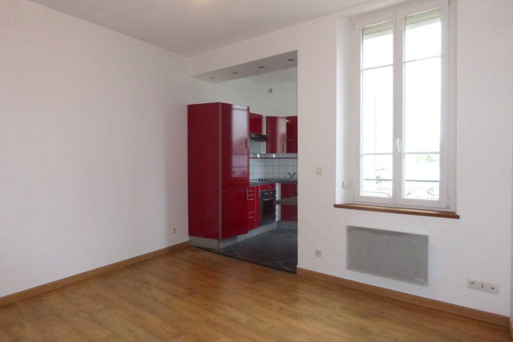 Appartement à louer 2 41.47m2 à Reims vignette-1