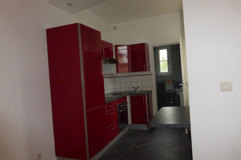 Appartement à louer 2 41.47m2 à Reims vignette-2