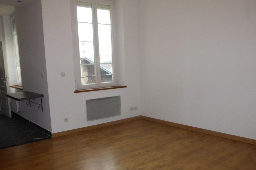 Appartement à louer 2 41.47m2 à Reims vignette-3