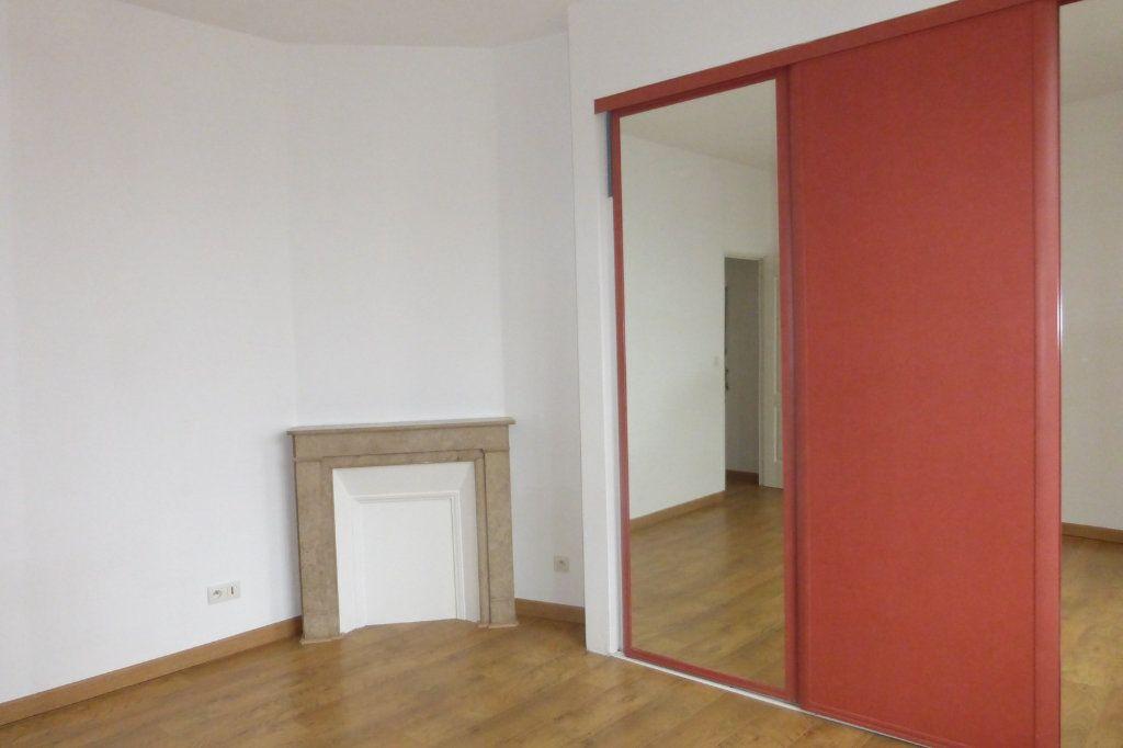 Appartement à louer 2 41.47m2 à Reims vignette-6