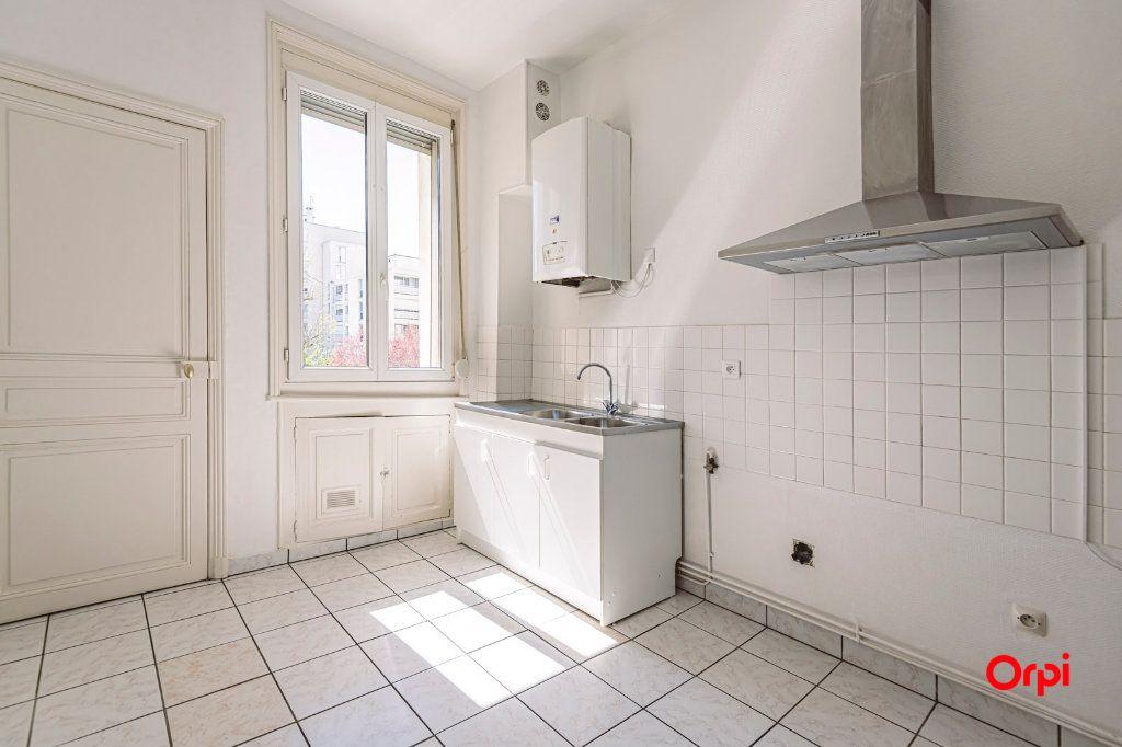 Appartement à vendre 3 65.27m2 à Reims vignette-4