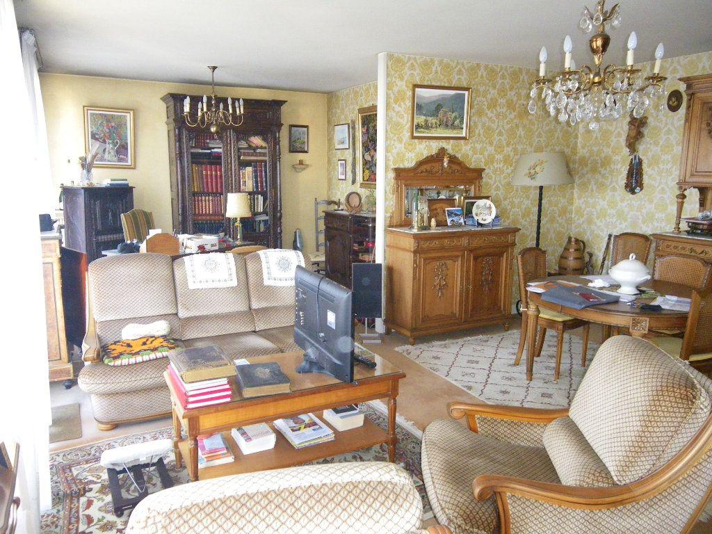 Appartement à vendre 4 82.72m2 à Reims vignette-3