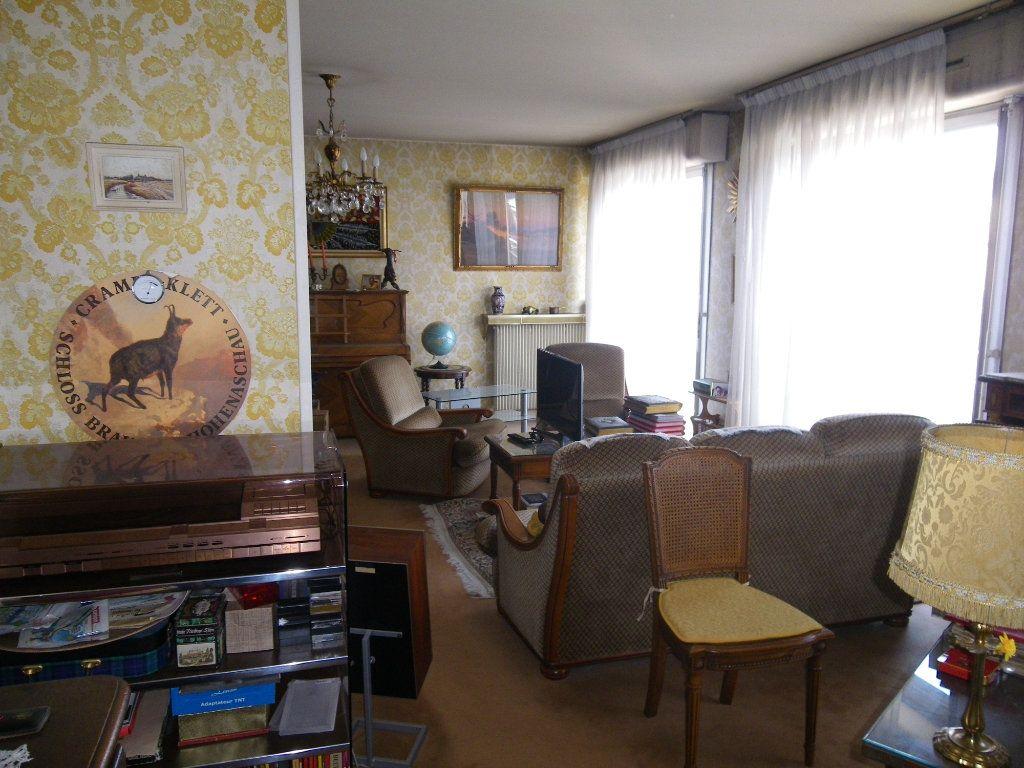Appartement à vendre 4 82.72m2 à Reims vignette-4