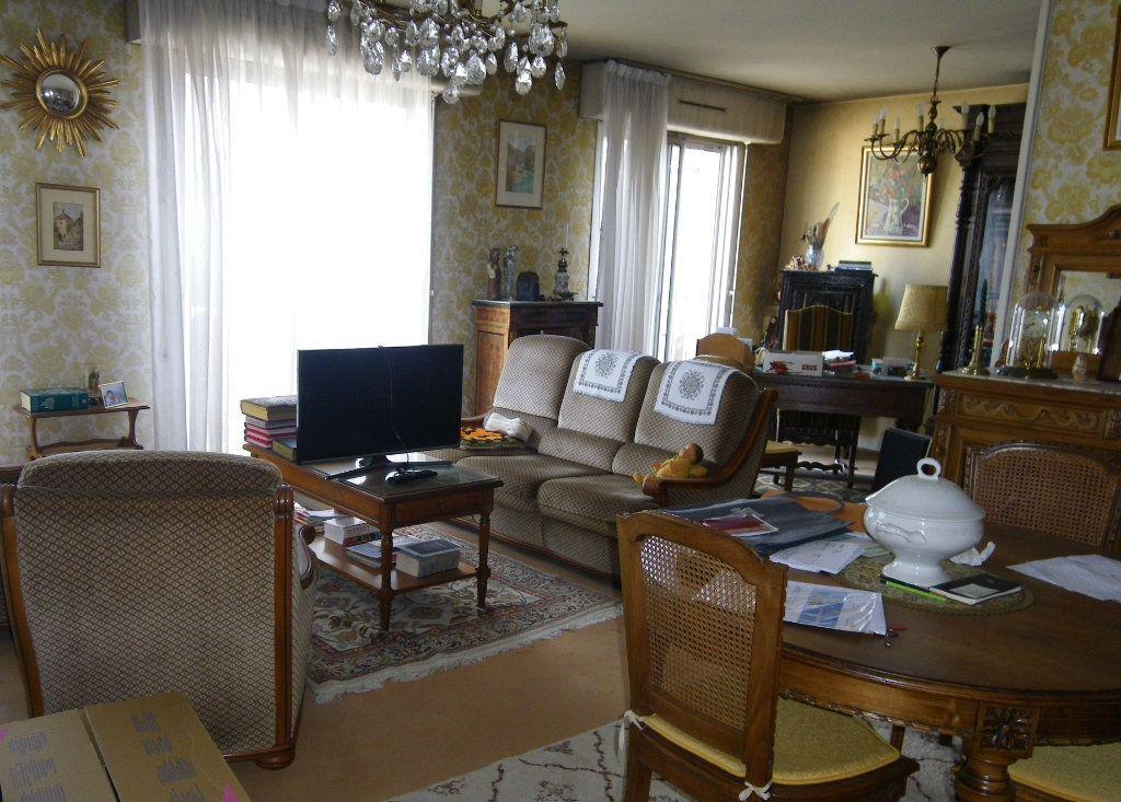 Appartement à vendre 4 82.72m2 à Reims vignette-5