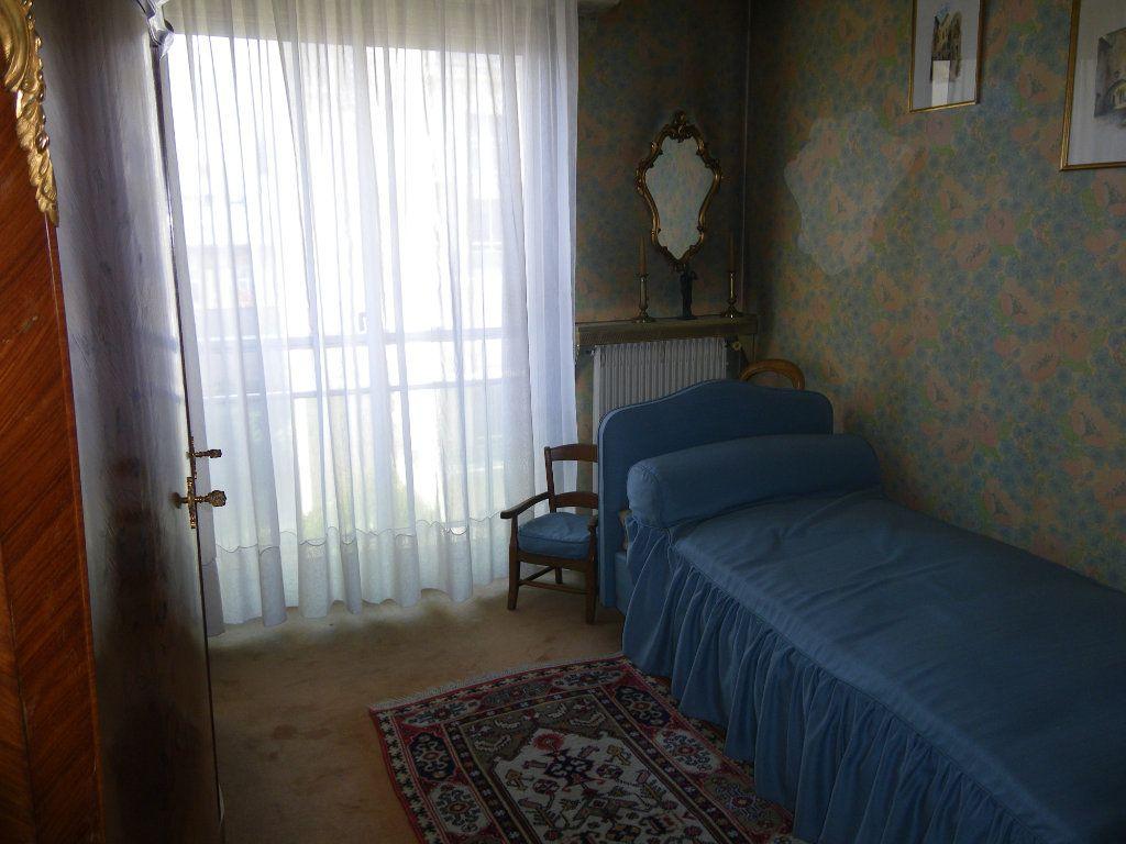 Appartement à vendre 4 82.72m2 à Reims vignette-7