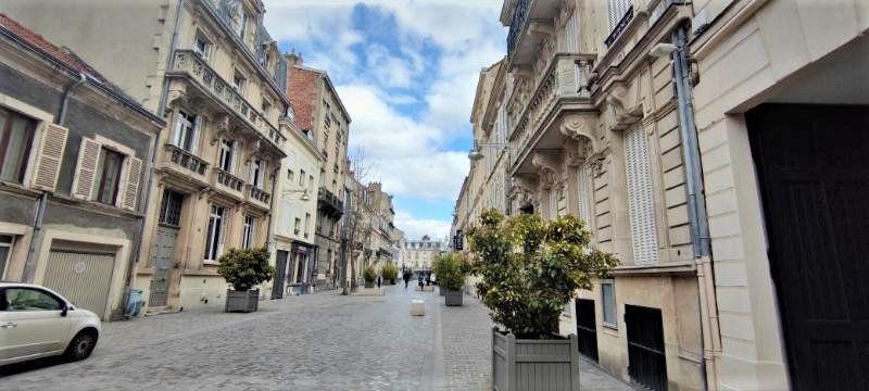 Stationnement à louer 0 55m2 à Reims vignette-1