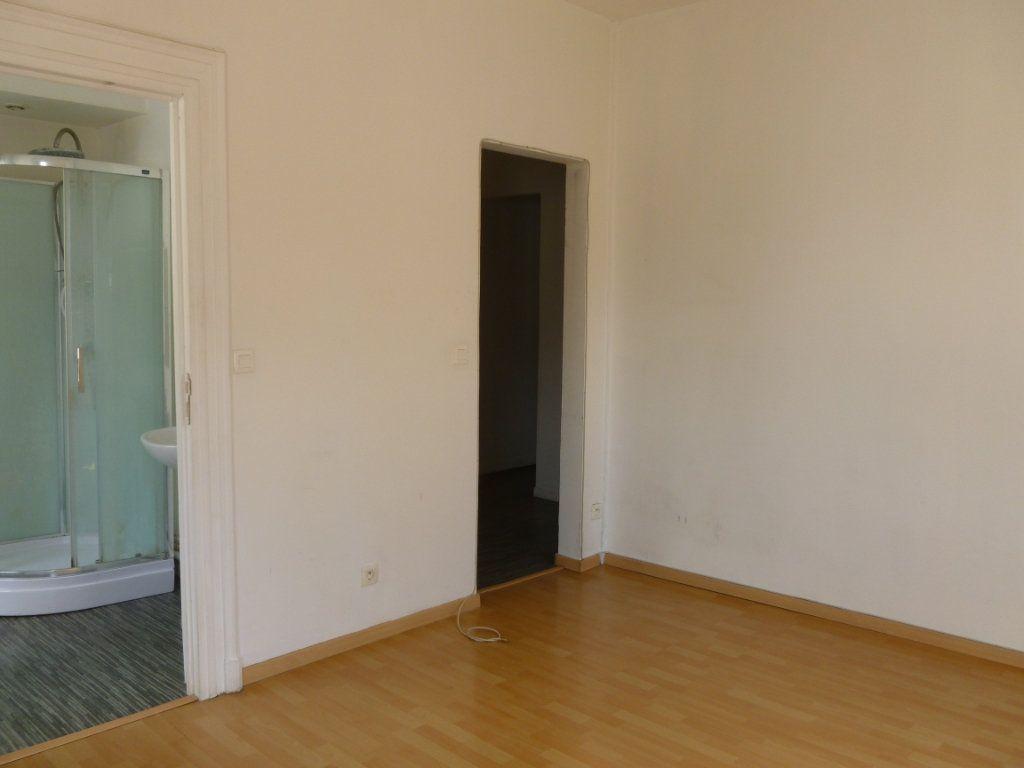 Appartement à louer 3 43m2 à Reims vignette-4