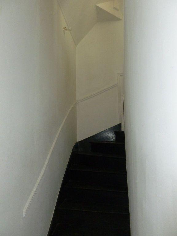 Appartement à louer 3 43m2 à Reims vignette-5