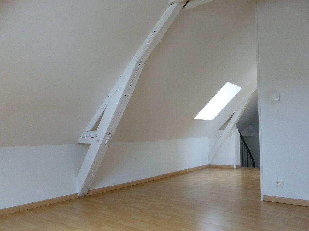 Appartement à louer 3 43m2 à Reims vignette-9