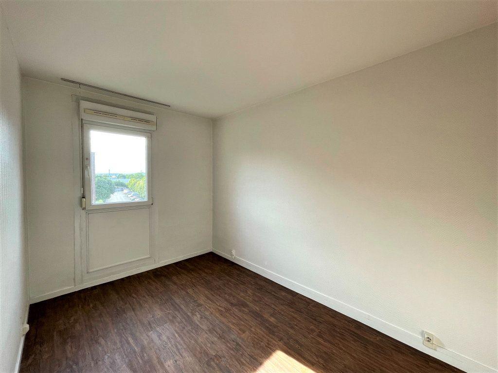 Appartement à louer 3 54.5m2 à Reims vignette-7