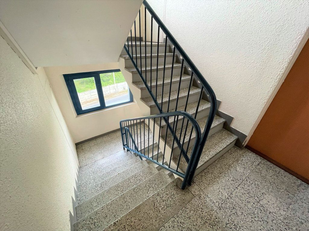 Appartement à louer 3 54.5m2 à Reims vignette-13