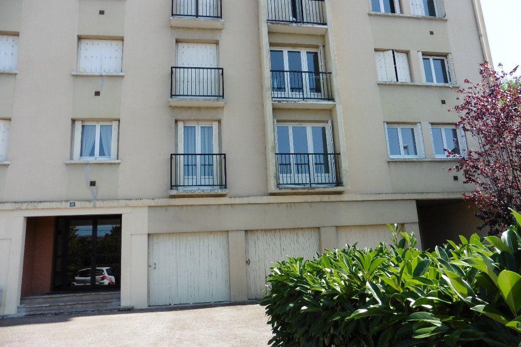 Appartement à louer 2 46.68m2 à Limoges vignette-1