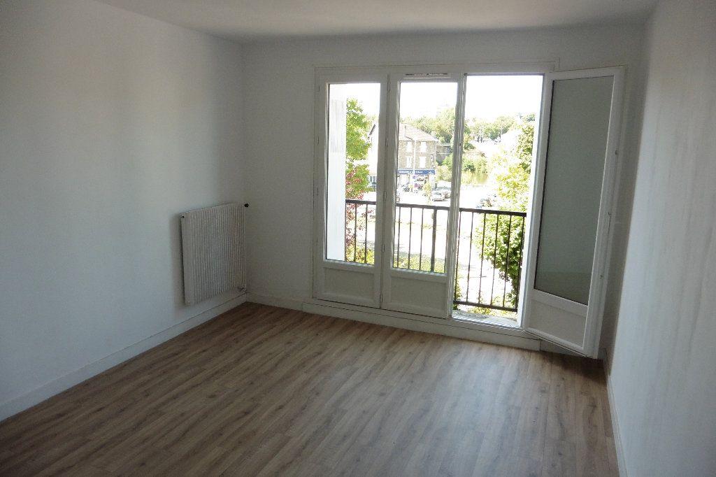 Appartement à louer 2 46.68m2 à Limoges vignette-2