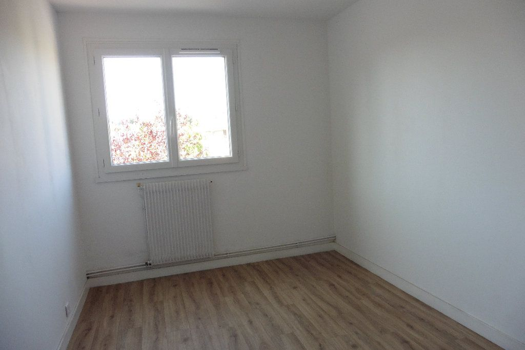 Appartement à louer 2 46.68m2 à Limoges vignette-4