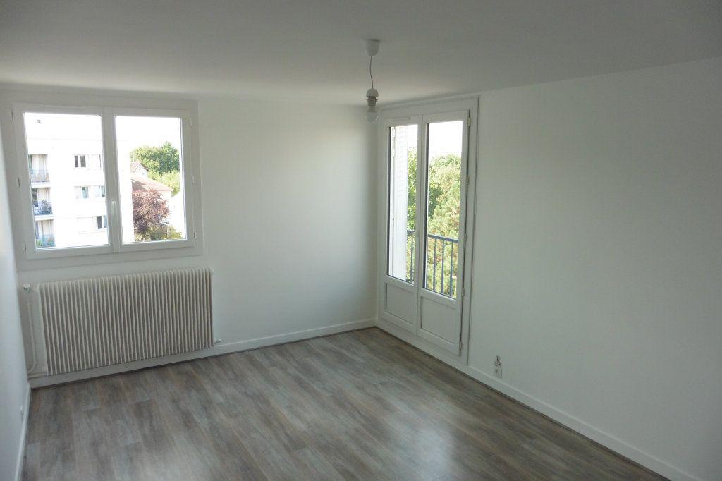 Appartement à louer 2 46.01m2 à Limoges vignette-3