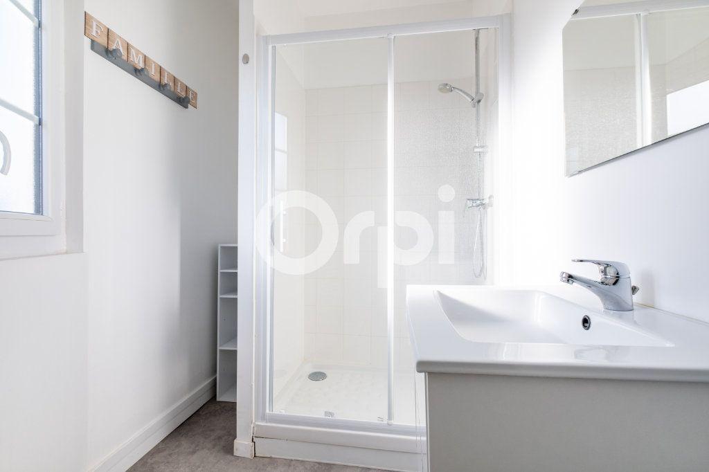 Appartement à louer 3 86m2 à Limoges vignette-5