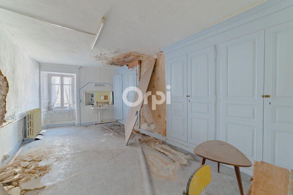 Immeuble à vendre 0 150m2 à Bellac vignette-3