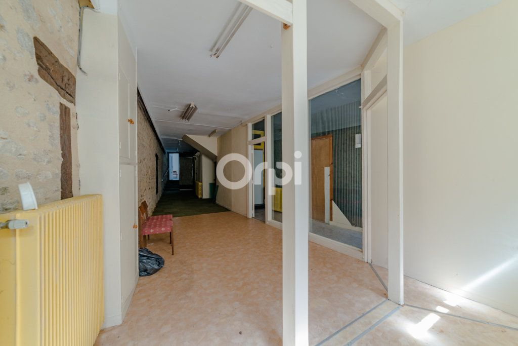 Immeuble à vendre 0 150m2 à Bellac vignette-4