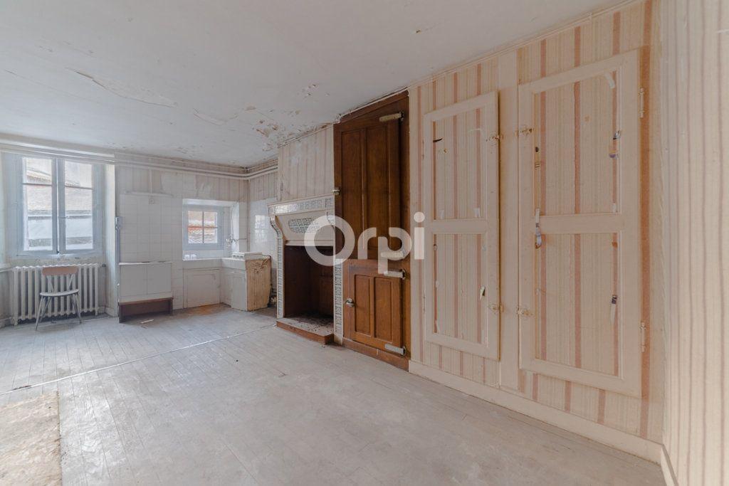 Immeuble à vendre 0 150m2 à Bellac vignette-8