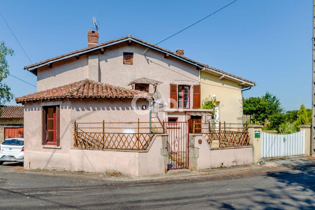 Maison à vendre 3 60m2 à Bellac vignette-1