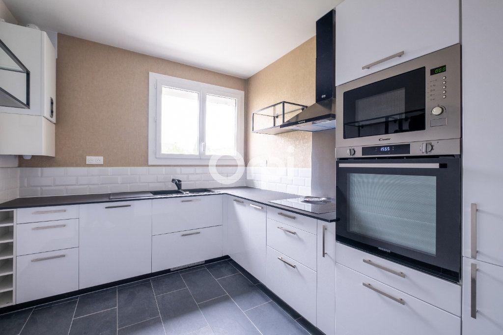Appartement à vendre 5 149m2 à Limoges vignette-4