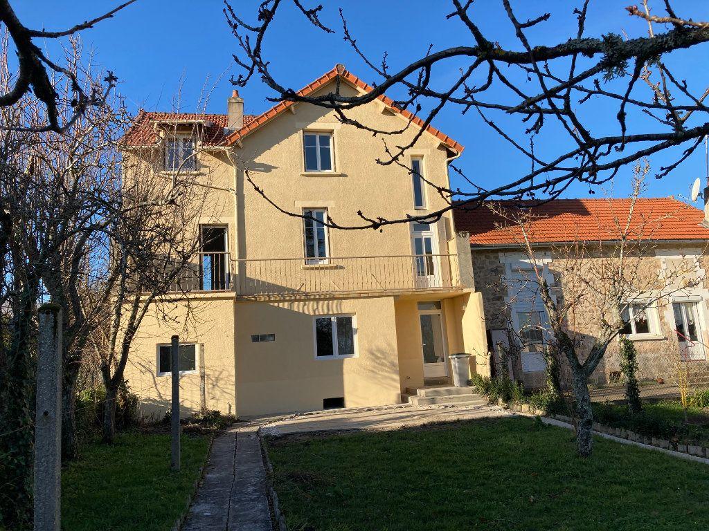 Maison à louer 8 129.32m2 à Bessines-sur-Gartempe vignette-1