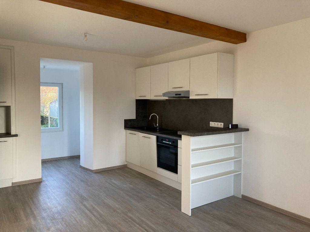 Maison à louer 8 129.32m2 à Bessines-sur-Gartempe vignette-3