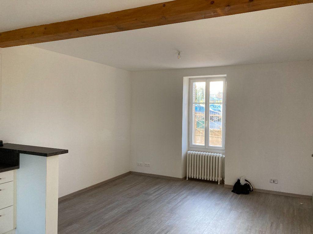 Maison à louer 8 129.32m2 à Bessines-sur-Gartempe vignette-5