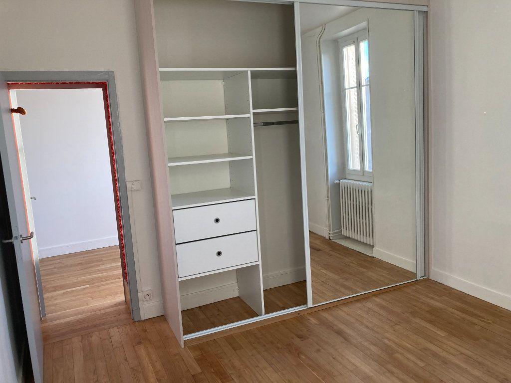 Maison à louer 8 129.32m2 à Bessines-sur-Gartempe vignette-12