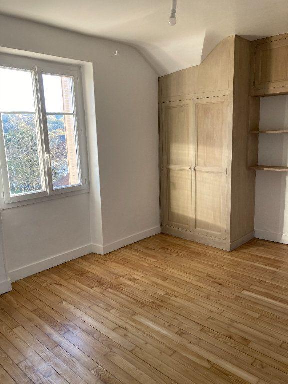 Maison à louer 8 129.32m2 à Bessines-sur-Gartempe vignette-14
