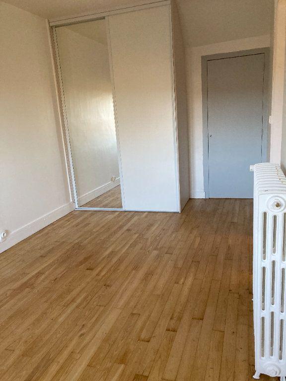 Maison à louer 8 129.32m2 à Bessines-sur-Gartempe vignette-16