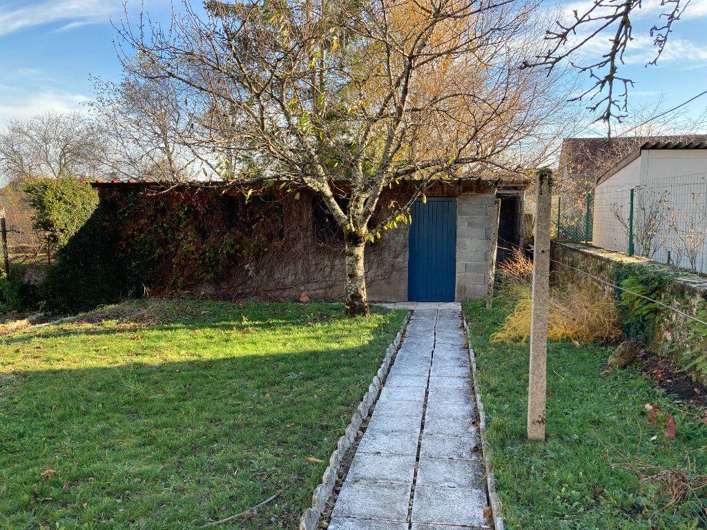 Maison à louer 8 129.32m2 à Bessines-sur-Gartempe vignette-17