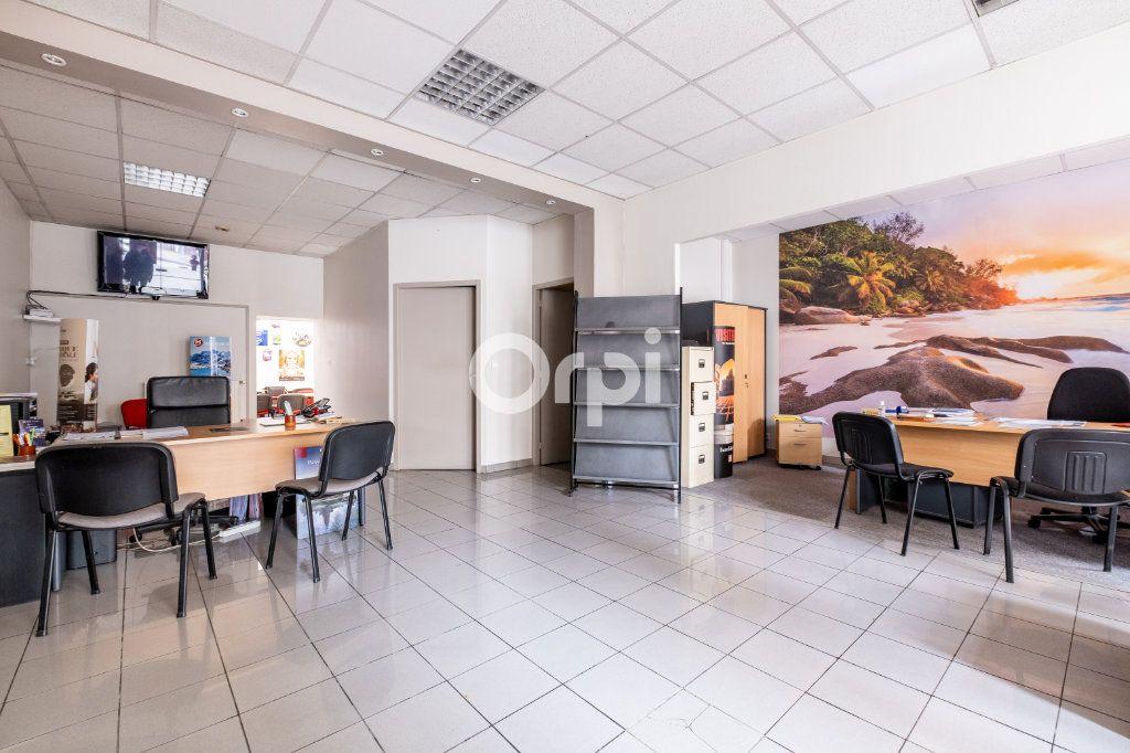 Immeuble à vendre 0 364m2 à Limoges vignette-1