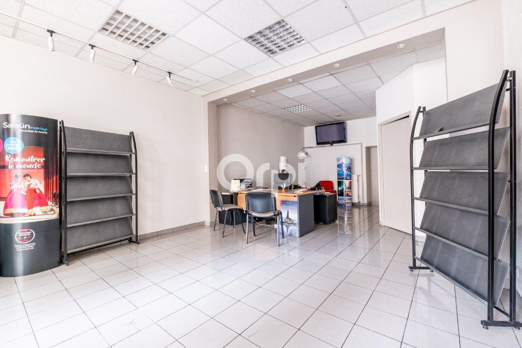 Immeuble à vendre 0 364m2 à Limoges vignette-2