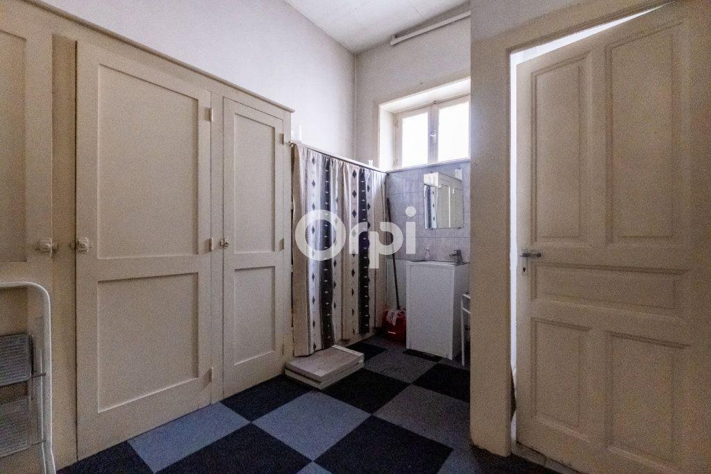 Immeuble à vendre 0 364m2 à Limoges vignette-5