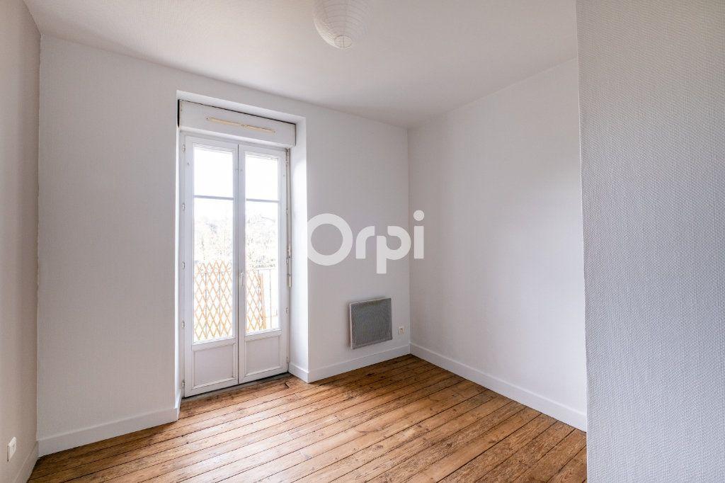 Appartement à louer 2 35m2 à Aixe-sur-Vienne vignette-3