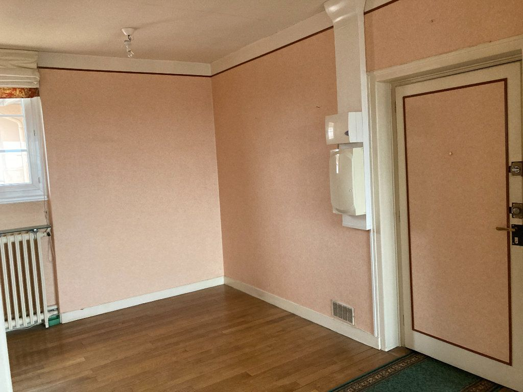Appartement à louer 3 93m2 à Limoges vignette-6