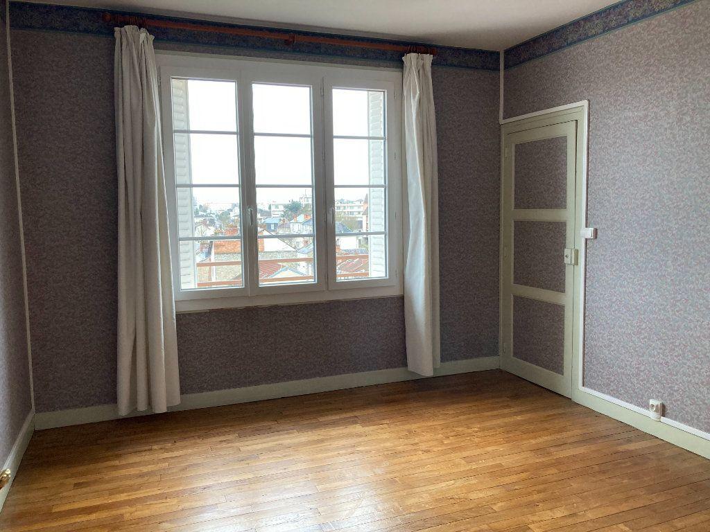 Appartement à louer 3 93m2 à Limoges vignette-9