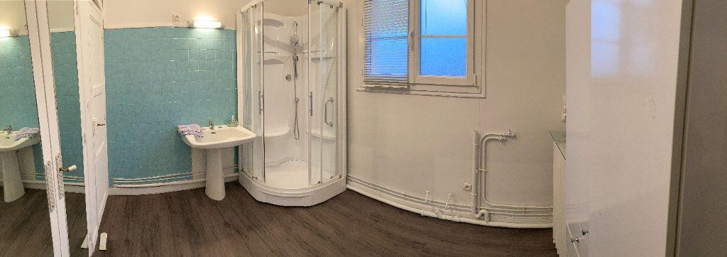 Appartement à louer 3 93m2 à Limoges vignette-12
