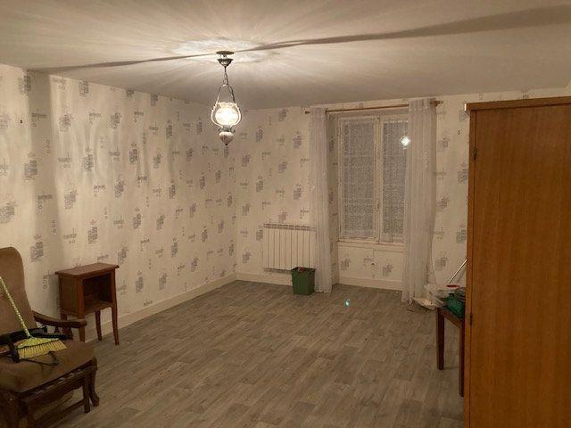 Maison à vendre 3 70m2 à Peyrat-de-Bellac vignette-6