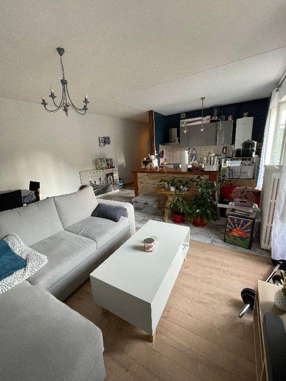 Appartement à louer 2 55m2 à Limoges vignette-3