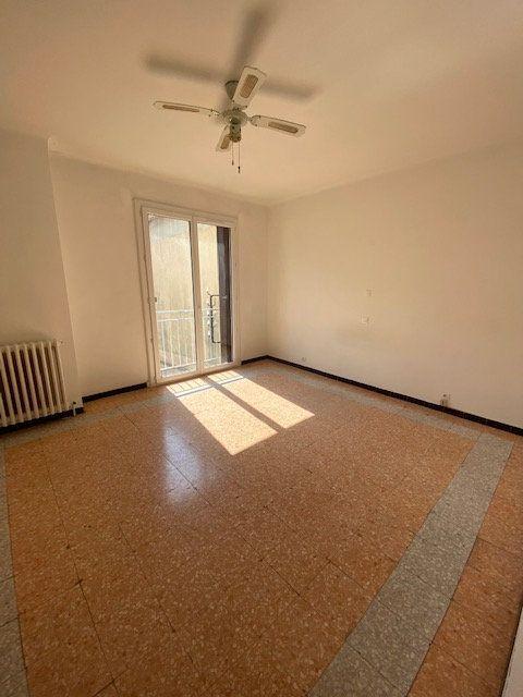 Appartement à louer 2 52m2 à La Seyne-sur-Mer vignette-1